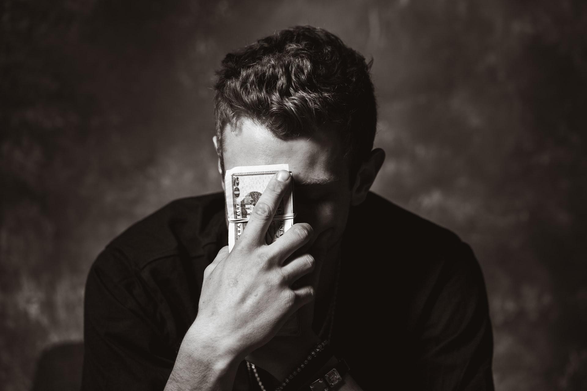 Dinero y poder, el espejismo de nuestra sociedad capitalista